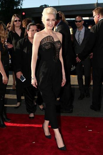 Gwen Stefani ¡mega chic! en los Grammy