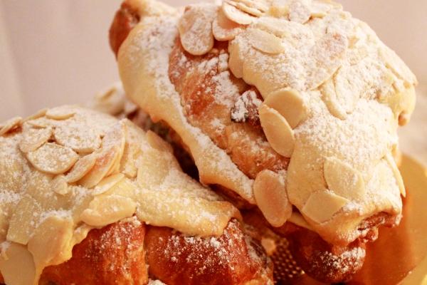 Croissant-de-almendras