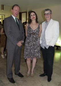 El embajador de Belgica Frank Van Craen, Julie Rengifo y Javier Vidal