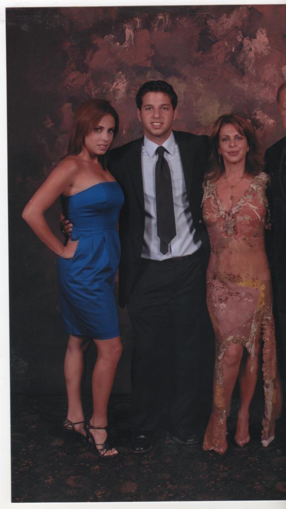 Liliam Bensayán de Tassini con sus hijos Guido Jr. y Mariana