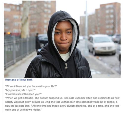 Fotografía: Brandon Stanton, en Humans of New York. https://www.facebook.com/humansofnewyork/photos/pb.102099916530784.-2207520000.1428333168./865948056812629/?type=3&theater