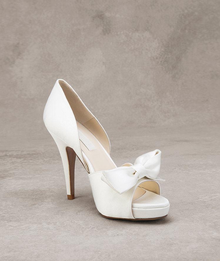 Zapato de novia pronovias