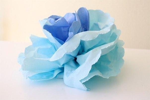 Como-hacer-flores-con-servilletas-de-papel-5 (1)