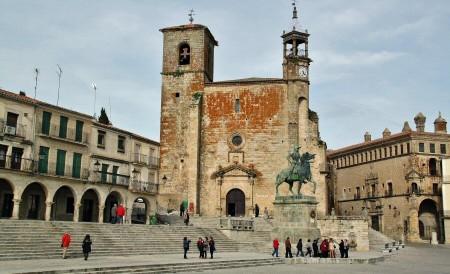trujillo-plaza-mayor-003-450x274