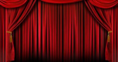 Cortina-de-Teatro-1024x682