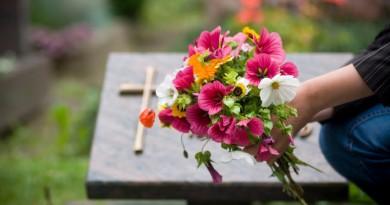 tumba-flores