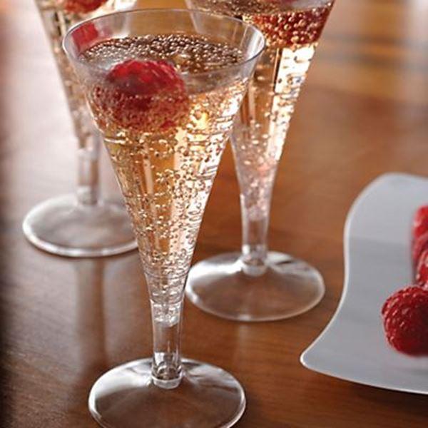 Champagne o espumante, que tomar para hacer chic tu navidad 2017