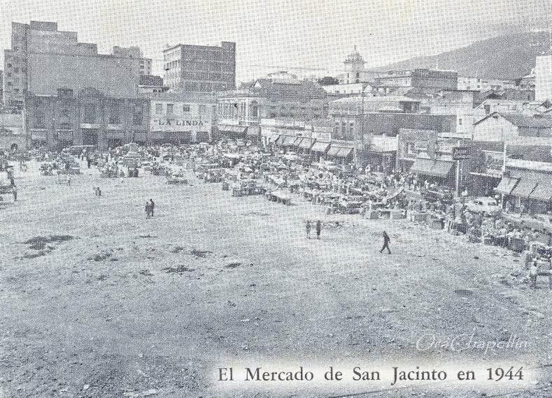 La Plaza caraqueñísima de San Jacinto