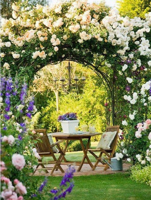 Los Muy Chic Arcos De Flores En El Jardin - Arcos-de-jardin