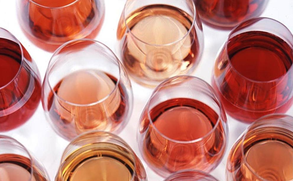 ¿Cómo se logra el tan chic vino rosado?