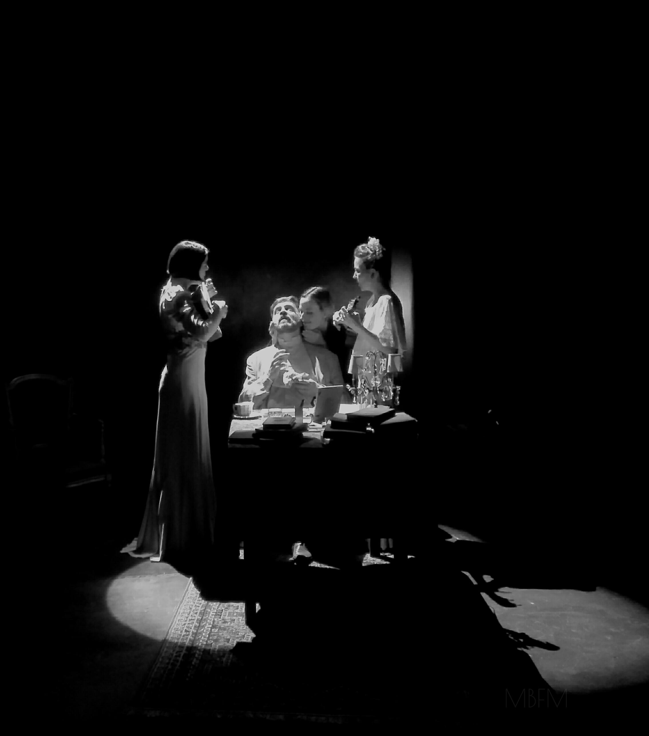 Suite Chéjov una obra de teatro formidable en Buenos Aires