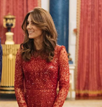 Kate Middleton deslumbrante y marcando estilo