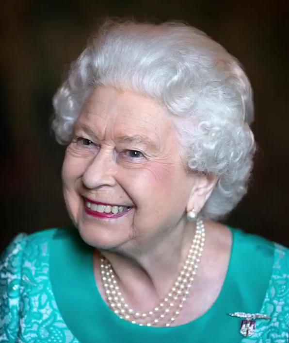 Isabel II celebra su «cumpleaños oficial» sin el tradicional desfile