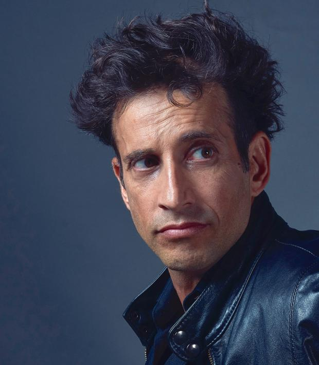 Entrevista a Santiago Vicchi, multifacético y simpatiquísimo actor argentino