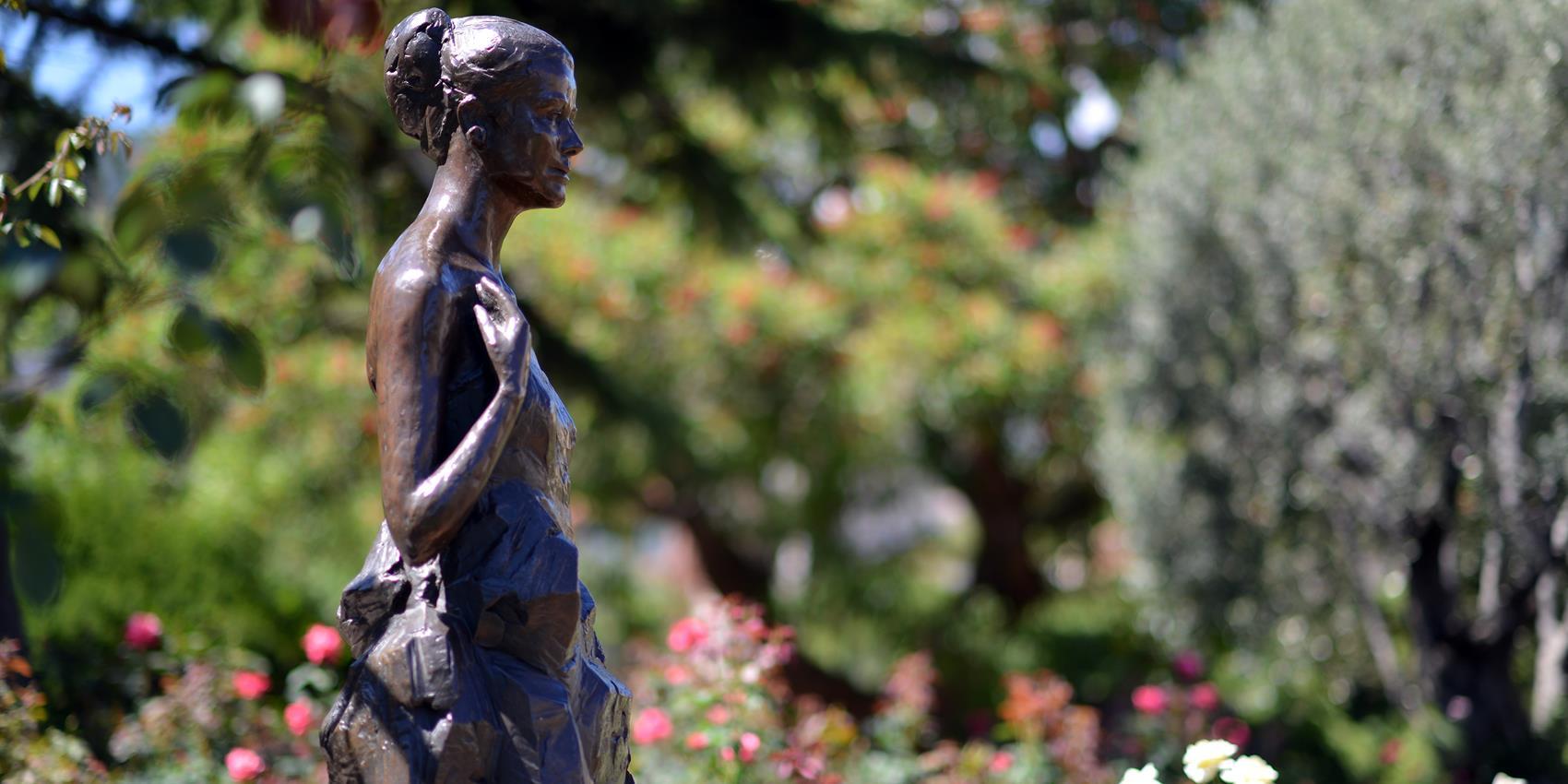 El hermoso jardín de rosas por la princesa Grace Kelly en Mónaco