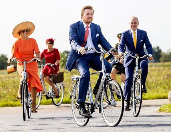 Las Casas Reales cada vez más en bicicleta