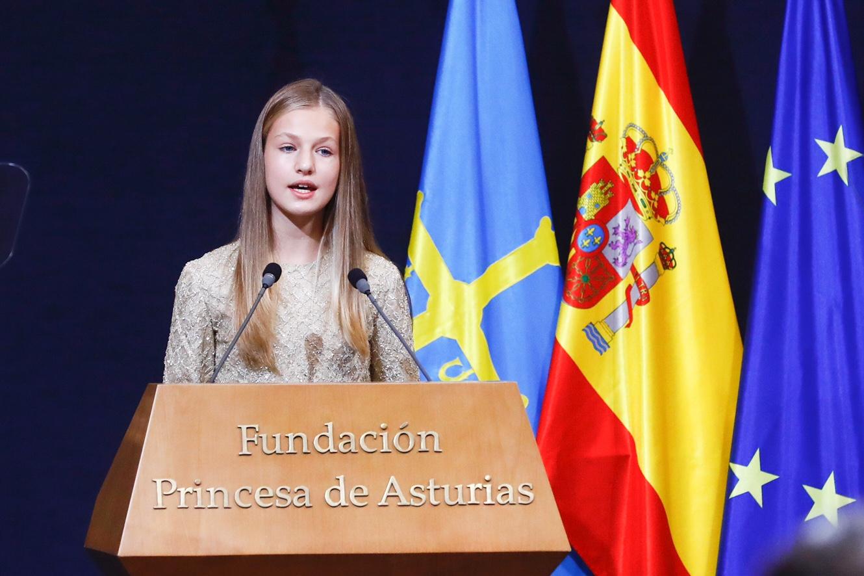 Leonor, muy bella y más desenvuelta en los Premios Princesa de Asturias