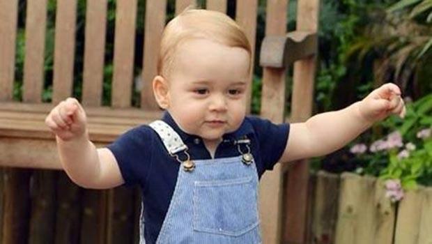 Un principe muy chic. El príncipe George, figura como uno de los caballeros mejor vestidos del Reino Unido