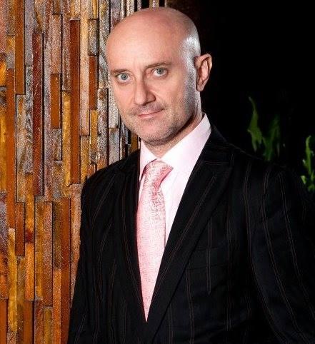 Entrevista a Carlos Benguigui, originalidad en la moda