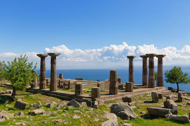 Las ruinas de Assos, la ciudad de Aristóteles en Turquía