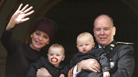 Día Nacional de Mónaco: los príncipes Jacques y Gabriella radiantes en brazos de sus padres en el balcón