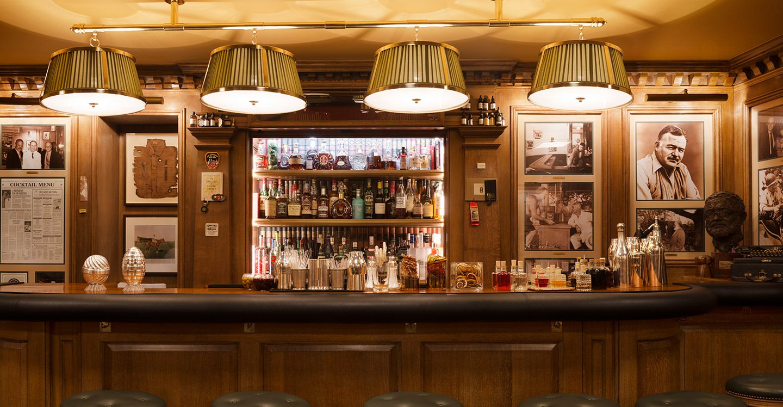 El Bar Hemingway en el tan chic Hotel Ritz de París