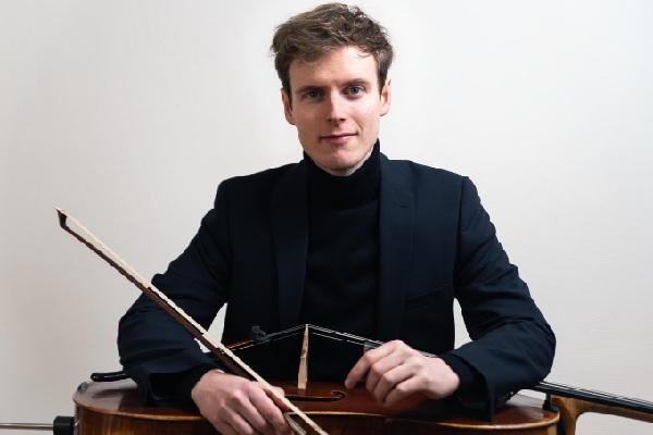 Interview with Johannes Przygodda, a cellist in love with music