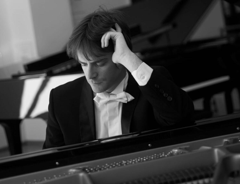 Entrevista al brillante pianista argentino Hugo Schuler